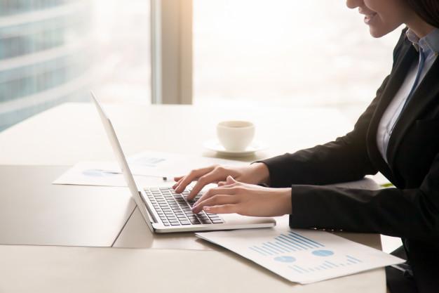 Każdy laptop przeznaczony do zastosowań profesjonalnych, jak i biznesowych powinien posiadać możliwie jak najmocniejszą konfigurację przy możliwie jak najmniejszych rozmiarach