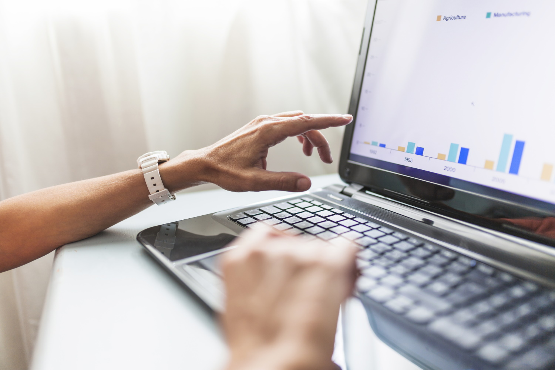Lenovo ThinkPad X1 Carbon 8 to najnowsza rewizja świetnie ocenianego laptopa biznesowego