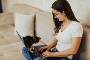 ThinkPad X1 Carbon wraz z kolejną generacją przynosi szereg aktualizacje wpływających na pozytywne doświadczenia płynące z korzystania z urządzenia